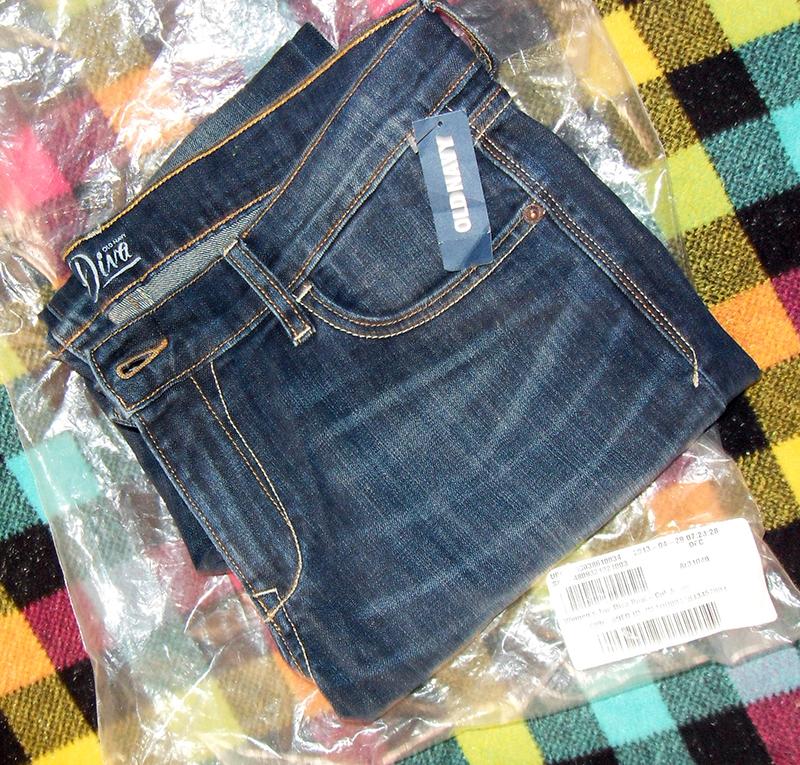 Джинсы OldNavy Тhe Diva Boot-Cut Jeans синего цвета