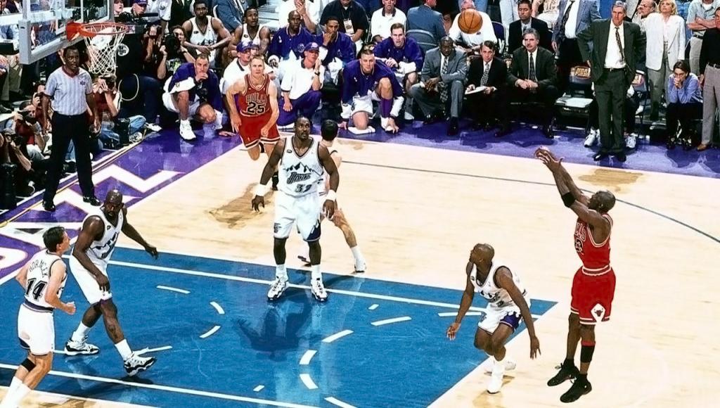 Решающий бросок Майкла Джордана в финале НБА 1998 года. Чикаго Буллз против Юта Джаз.