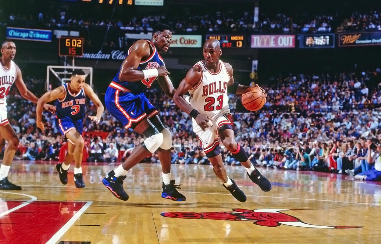 31 мая 1993 года Майкл Джордан набрал 54 очка, в финале Восточной конференции против «Никс»
