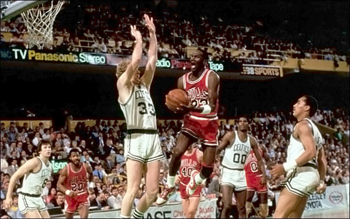 20 апреля 1986 года, в Бостон-Гардене, игра против «Бостон Селтикс», Майкл Джордан набирает 63 очка